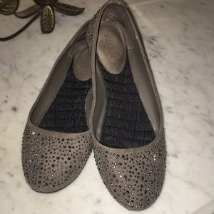 Mia grey and silver flats size 7.5